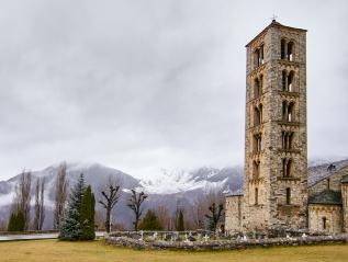 Viaje fotográfico, el Románico de la Vall de Boí envuelto enotoño